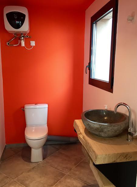 Pose WC, lave-mains, chauffe-eau 15L